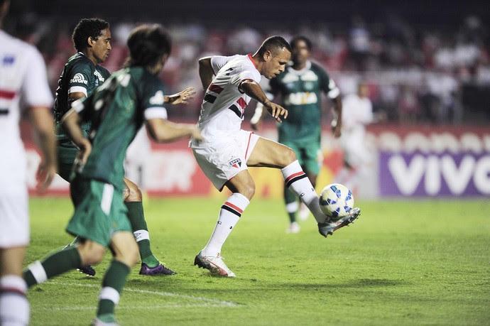 São Paulo, Chapecoense, Morumbi, Luis Fabiano (Foto: Marcos Ribolli)