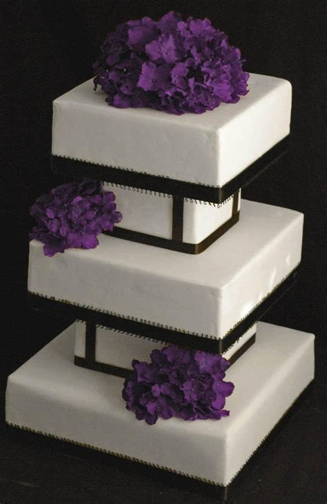 Modern square wedding cake   Cakes/ Cake Decorating