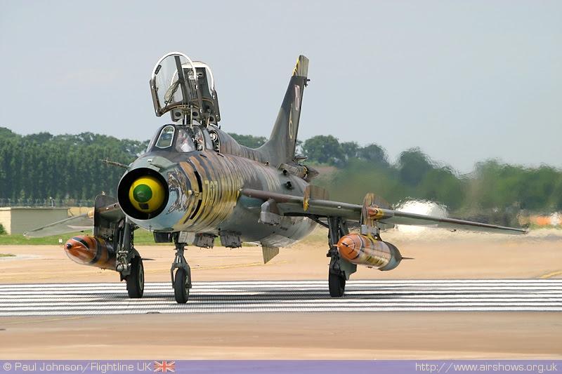 avion militar sukhoi 22