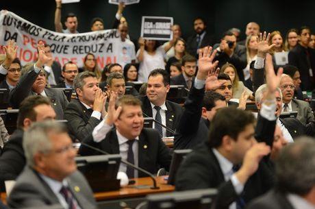 Maioria dos deputados quer redução da maioridade penal.