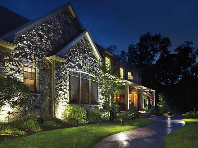 Landscaping Tips: Benefits of Outdoor Lighting ...