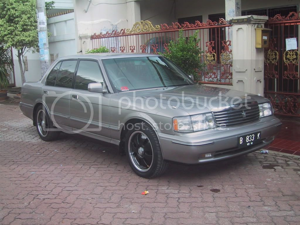 Toyota Crown Royal Saloon 93 Minimalis Aja