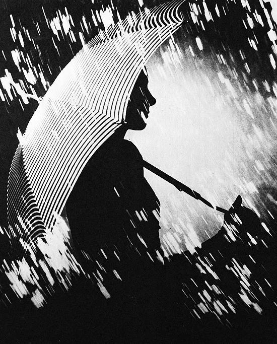 © Františka Kollára (1904-1979), 1940, Woman with umbrella