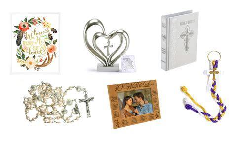 Top 10 Best Christian Wedding Gifts   Heavy.com
