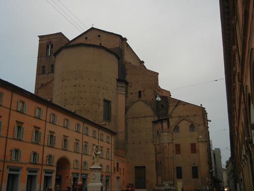DSCN4376 _ Piazza Luigi Galvani and Basilica di San Petronio, Bologna, 18 October