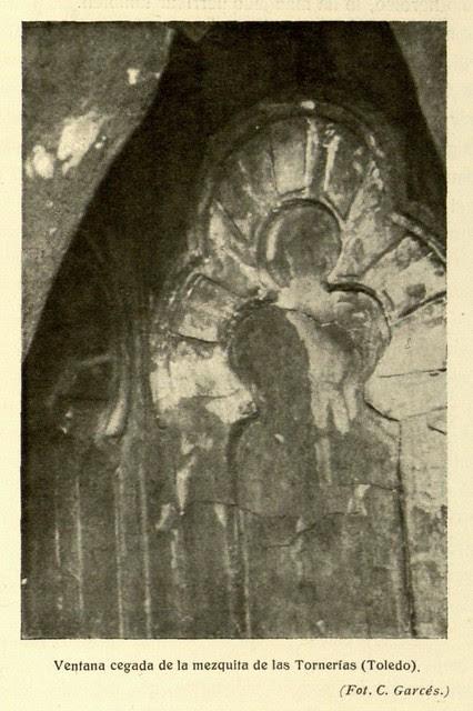 Mezquita de Tornerías, publicada en 1914, ventana cegada, Foto  C. Garcés