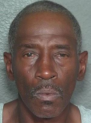 Charles Tyrone Bush roubou brinquedos sexuais de vizinha. (Foto: Divulgação)