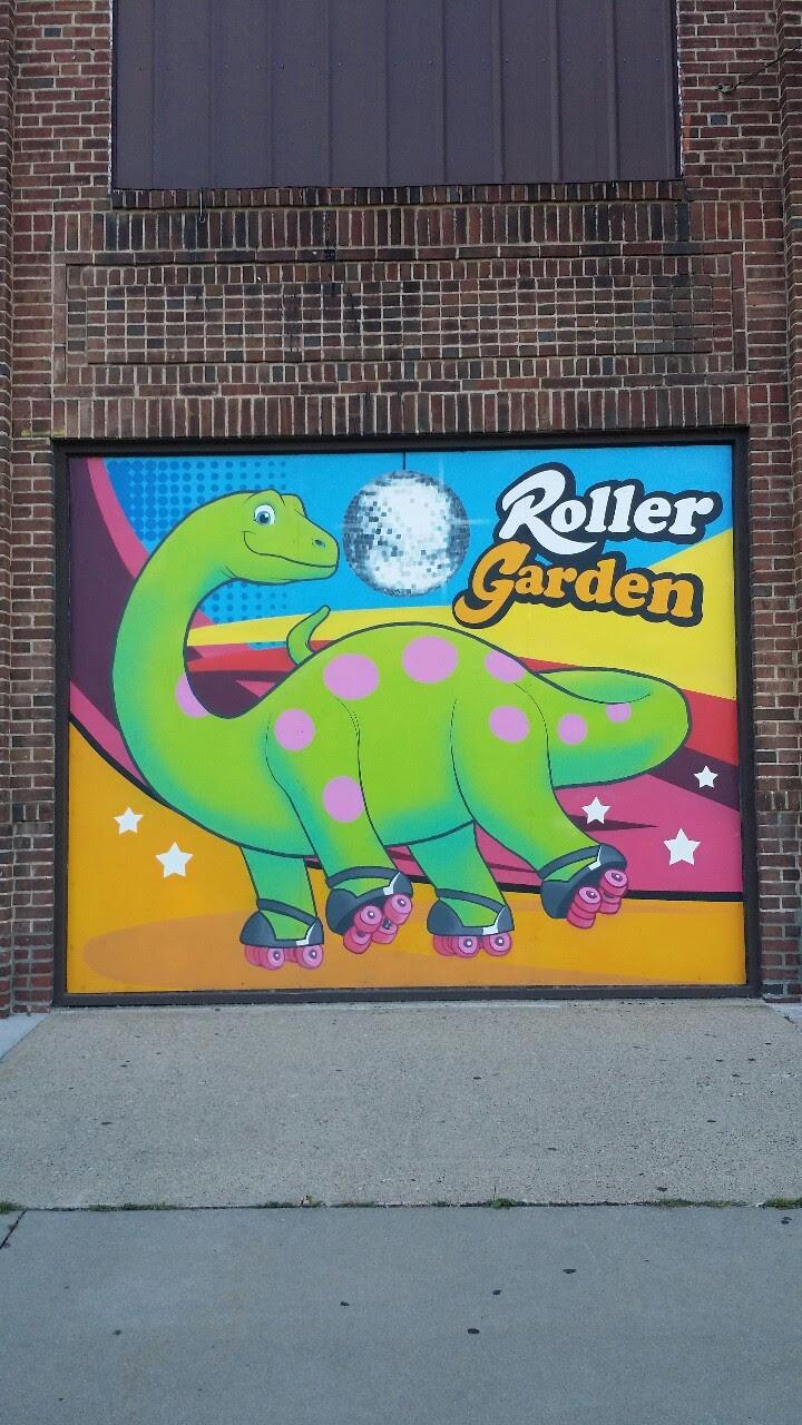 http://stuffaboutminneapolis.tumblr.com/post/97601996644/roller-garden-st-louis-park