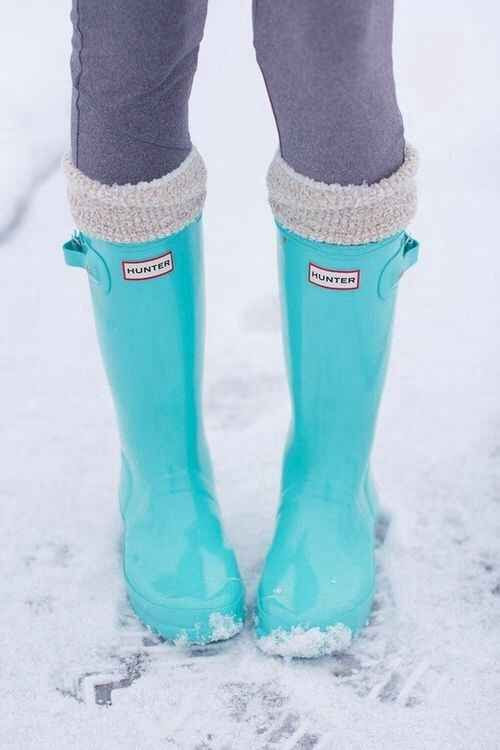 Hunter Rainboots   37 Ways To Treat Yourself With Tiffany Blue. I want these boots!!!!
