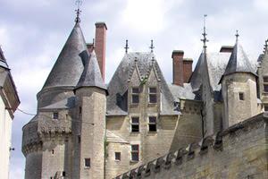 File:Château de langeais.jpg