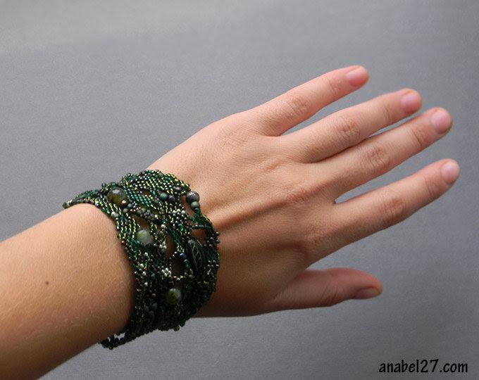 купить необычные изделия из бисера купить зеленый женский браслет