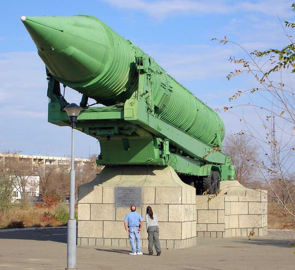 Míssil R-16A ICBM em Qyzylorda