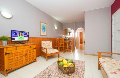 Apartamentos Teneguía, Puerto del Carmen, Lanzarote ...