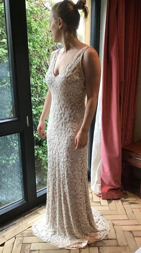 Brand New   Lotus Threads Designer Wedding Dress (never
