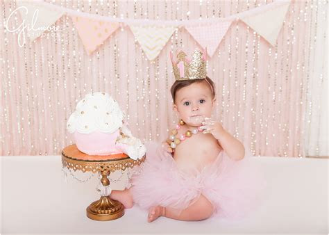 Ella's Cake Smash! 1st Birthday Portrait Session   Newport