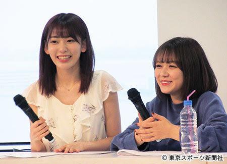 左起宮脇咲良、村重杏奈錄製電台節目