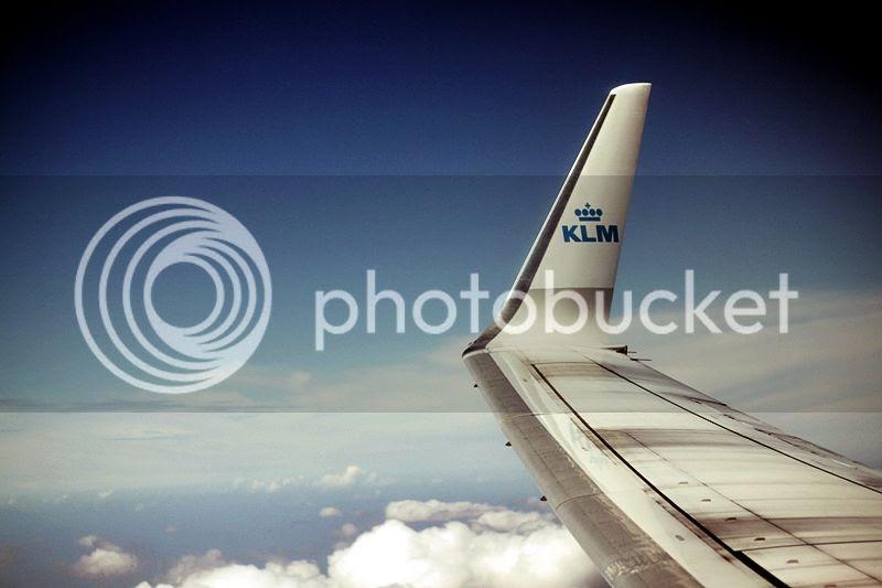 photo LISSABON_TRIP_KURZURLAUB_LISBON_LISBOA_PORTUGAL_GUIDE_BLOG_KLM_WOLKEN_SKY_CLOUDS_FLUGZEUG_AIRPLANE_zps8b1cc339.jpg