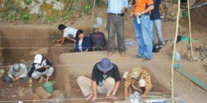 Istana Sekaligus Kuburan di Gua Harimau