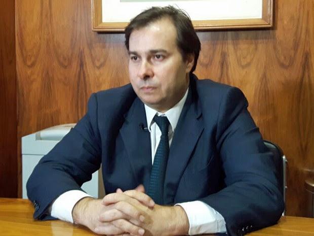 O presidente da Câmara, Rodrigo Maia (DEM-RJ), durante entrevista ao G1 em seu gabinete (Foto: Fernanda Calgaro/G1)