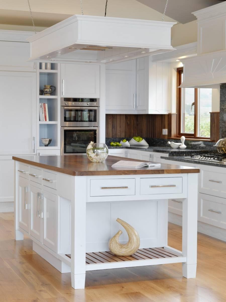 24 Beautiful And Functional Free Standing Kitchen Larder ...