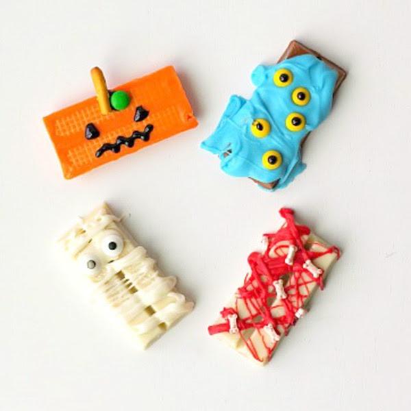 spooky easy Halloween Kit Kats