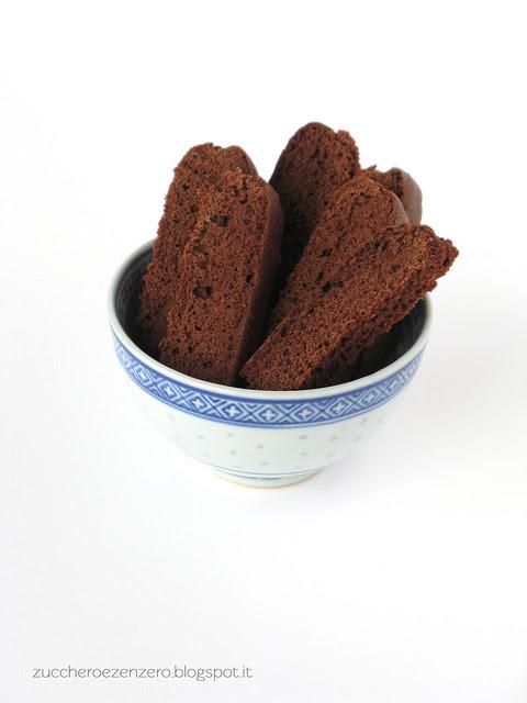 Biscotti al cacao da colazione