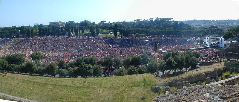 File:Roma scudetto 2001 al Circo Massimo 6240335-6.JPG