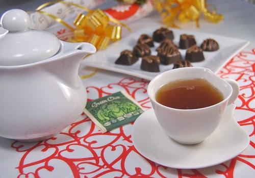 Green chai caramel pralines