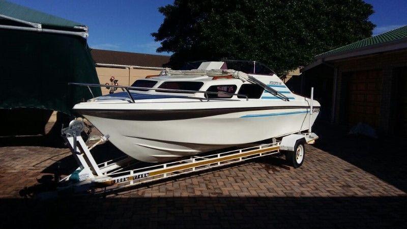 Cabin Cruiser In Eastern Cape Brick7 Boats