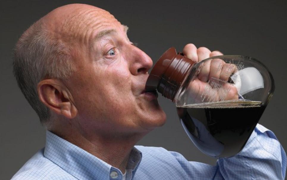 Você sabia que a falta de cafeína pode causar abstinência?