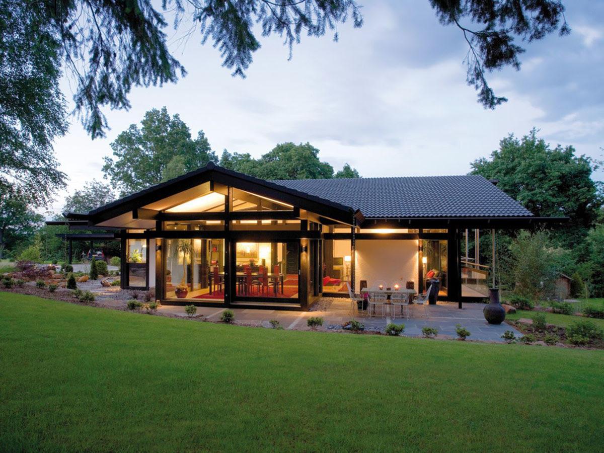 Modern TimberFramed Minimalist Bungalow House