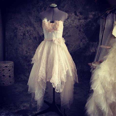 Perfect vintage fairy wedding dress lace and tulle short