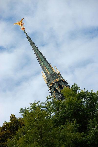 Archivo:Mont St Michel Arcange-2.jpg