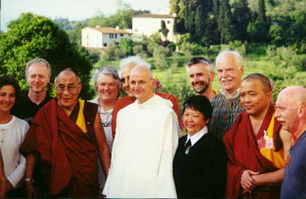 Fr.  Freeman, the Dalai Lama and Attendees
