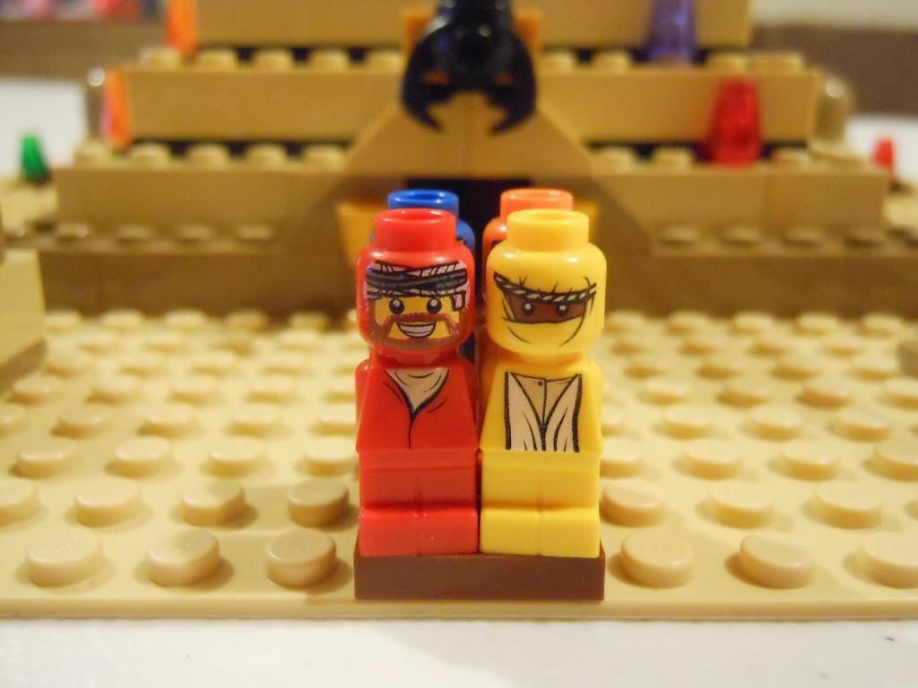 Ramses Pyramid Lego microfigures