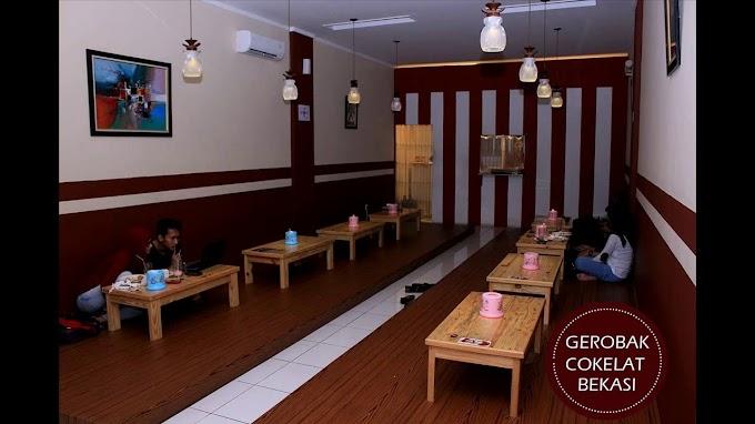 Desain Cafe Lesehan Minimalis