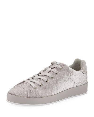 Nâng tầm trang phục của bạn chỉ với 10 đôi giày thể thao chất liệu nhung - Ảnh 3.