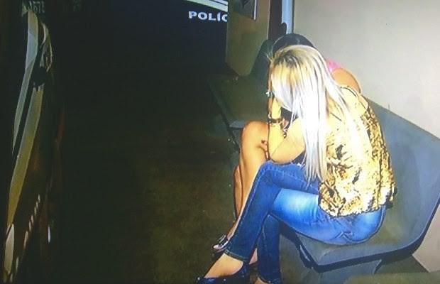 Detentas foram retiradas de cadeia e levadas para casa de agente em Rio Verde, Goiás (Foto: Reprodução/ TV Anhanguera)