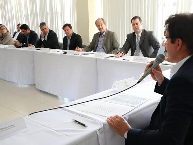 Governador Robinson Faria reuniu secretariado na manhã desta segunda-feira (4) (Foto: Rayane Mainara)