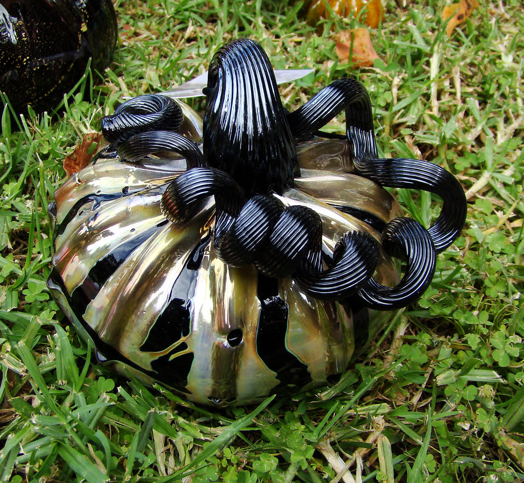 DSC02409 Gold and Black Glass Pumpkin