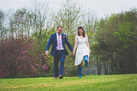 Runaway weddings  new ideas and styles   lowerbarns