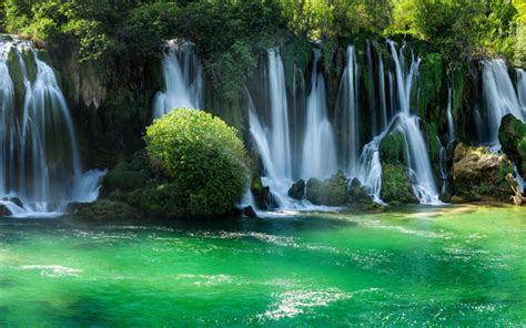 kravice waterfalls bosnia  herzegovina desktop wallpapers
