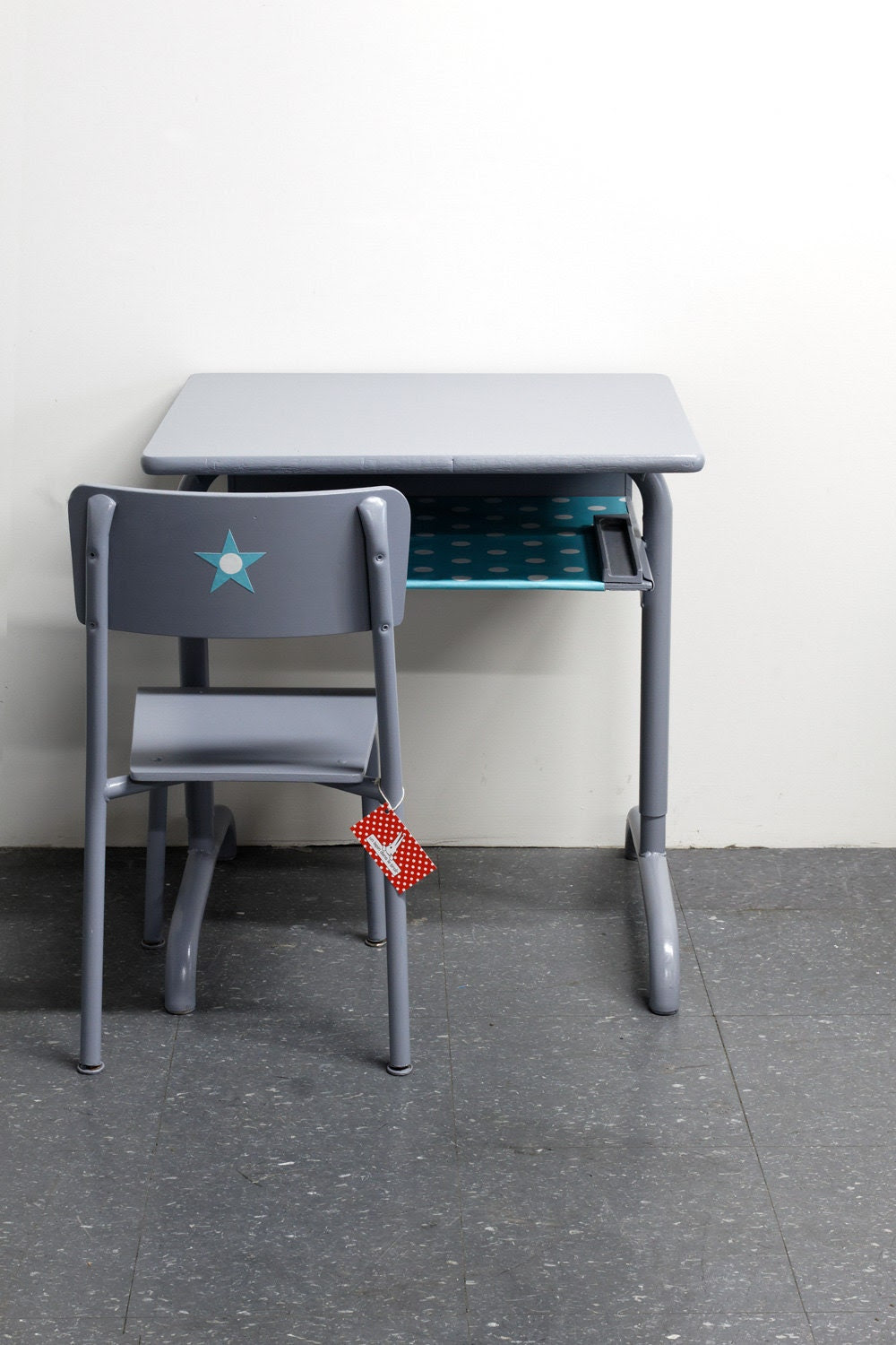 Set of retro metal and wood KIDS DESK and by unlapindansletiroir