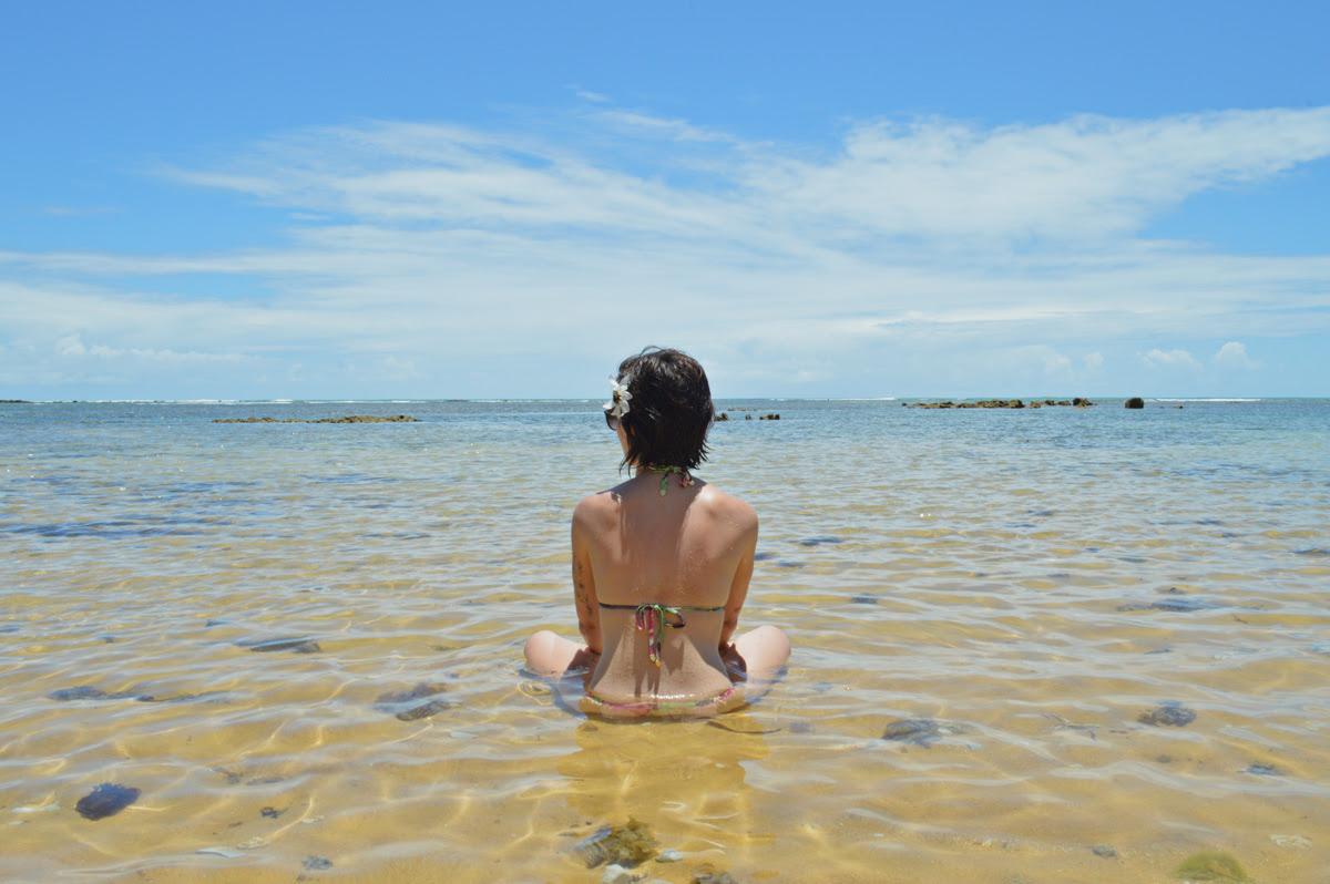 Resultado de imagem para mulher bonita na praia sereia