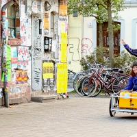 Axel built the cargo bike himself using a Danish design.