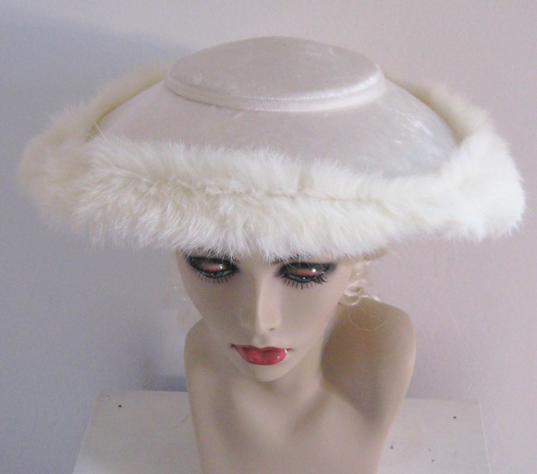 VINTAGE VELVET WEDDING HAT WITH FUR TRIM 1930s