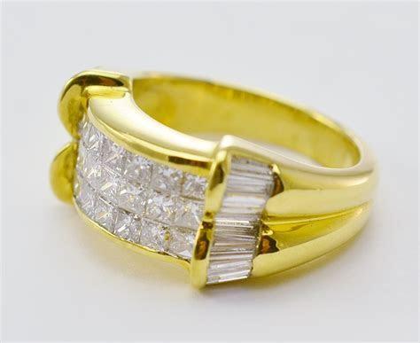 18K Yellow Gold 9.97 Grams 2.00 Carats t.w. Diamond Dinner