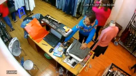 Hình ảnh Video: Nữ quái trộm hơn chục triệu đồng trong shop quần áo số 1