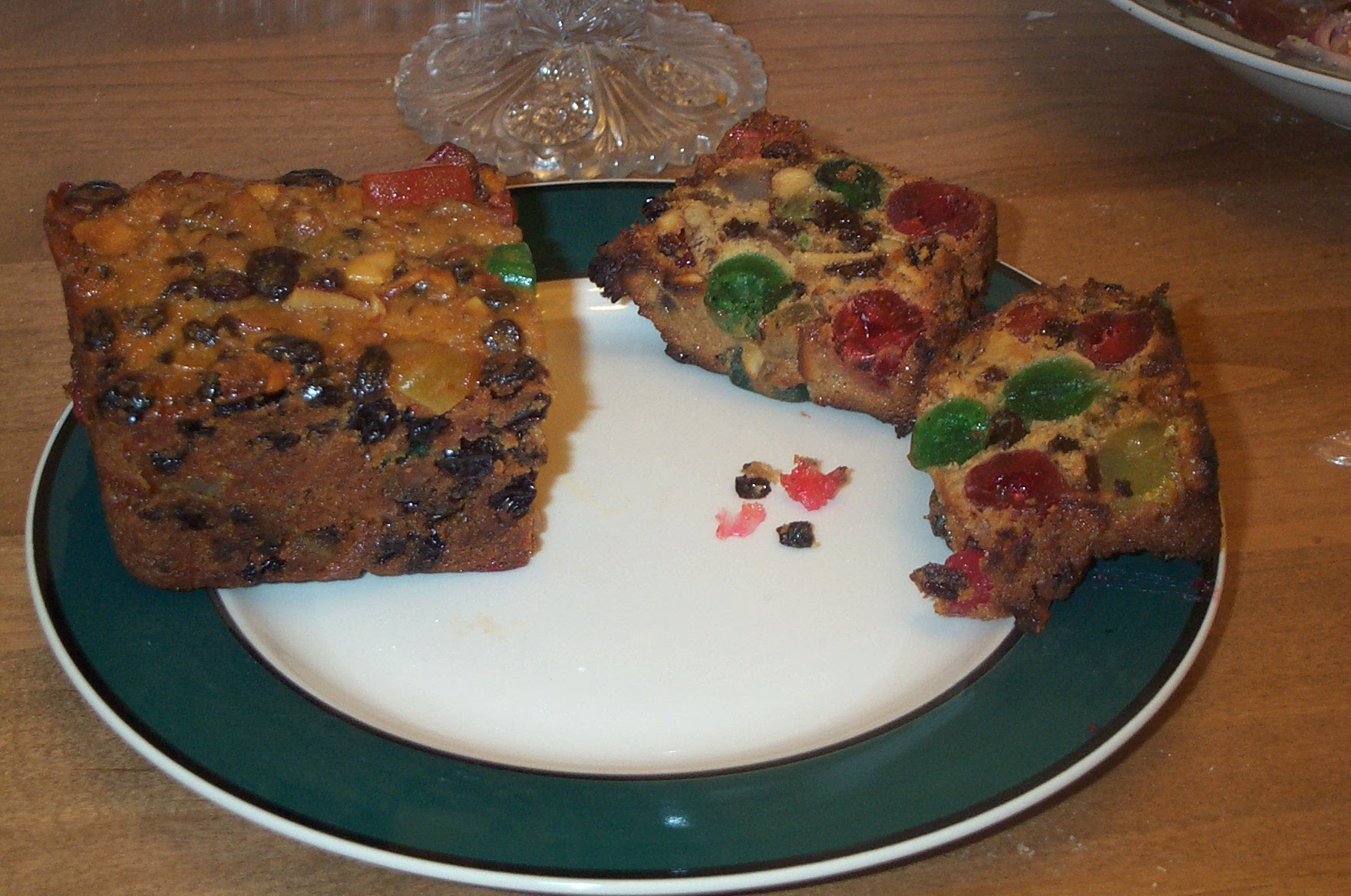 """""""Why are Fruitcakes Immortal?"""" and Other Christmas Food ..."""