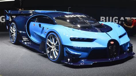 Video: 1500bhp Bugatti Chiron test mule spotted crawling in a tight spot   Motoroids